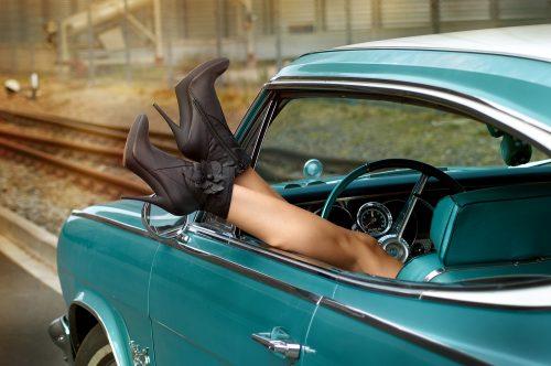 portrait-beauty-martin-lorentz-pfotography-fashion-sensual-shooting-vintage-car
